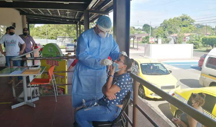 Realizan barridos de pruebas de hisopados en Los Santos. Foto: Cortesía Minsa