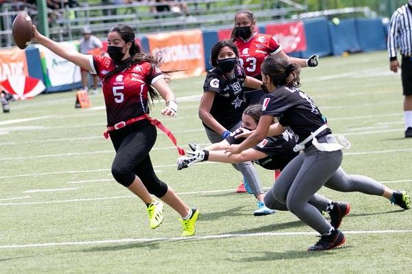 Liga Flag Football organizada por el Club Kiwanis de Panamá. Foto:Cortesía