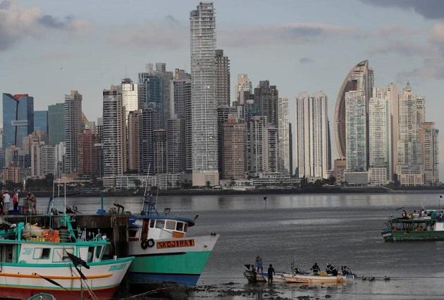 En términos de ingresos per cápita, la región continúa en una trayectoria que conduce a una década perdida, según el informe.  EFE