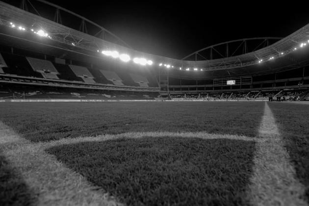 El fútbol no fue ajeno a esta situación, y fue afectado gravemente, ya que fue obligado a suspender sus ligas desde el mes de marzo de 2020. Foto: EFE.