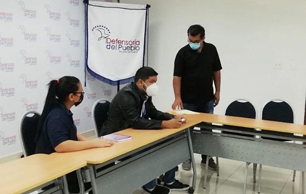Los representantes de la asociación presentaron la propuesta ante la Defensoría del Pueblo.