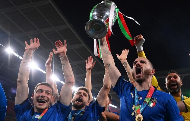 Italia entra el club de los bicampeones. Foto: EFE