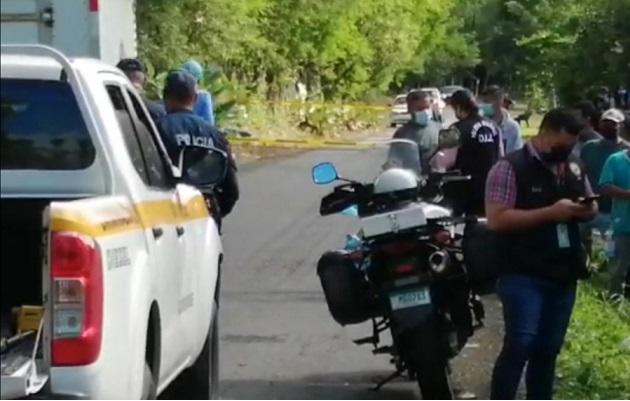 Las autoridades iniciaron las investigaciones sobre este hecho y esperan determinar las causas del fallecimiento de este hombre de unos 25 años. Foto: Mayra Madrid