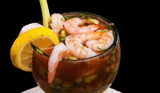 La preparación del cóctel de camarones puede variar en cada país en cuanto a los ingredientes. Foto: Ilustrativa / Pixabay