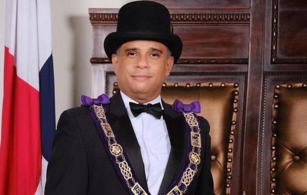 Líctor Reyna es Gran Maestro de la Logia de Panamá. Foto: Cortesía Gran Logia de Panamá