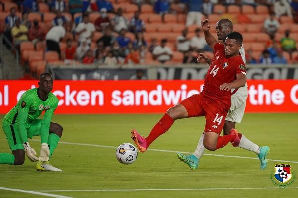 'Toro' Blackburn anotó dos goles para Panamá. Foto:@Fepafut