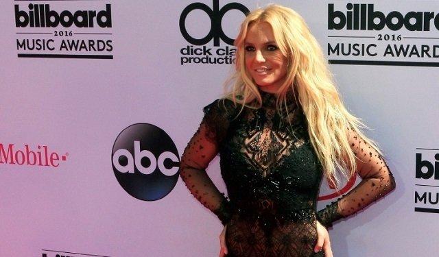Los seguidores de Britney Spears sospechan que ella no maneja sus redes sociales.