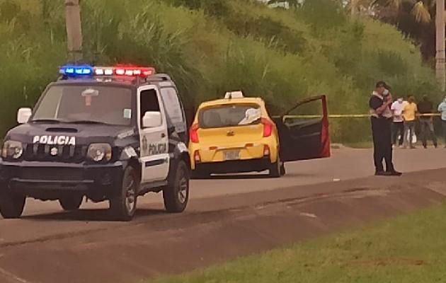 Tres hombres fueron asesinados en plena vía pública en Felipillo. Foto: Cortesía TráficoCPanamá