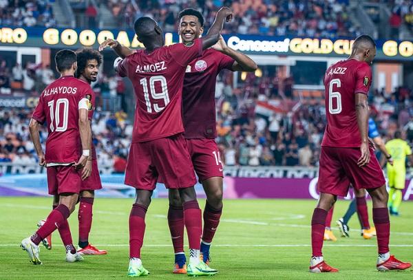 Jugadores de Catar festejan el triunfo ante Honduras. Foto: @Concacaf