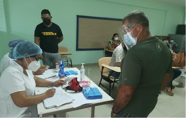 Para el área las autoridades han destinado un total de 37 mil vacunas, incluyendo algunos sectores de difícil acceso, por lo que la logística ha sido cuidadosamente planificada. Foto: Thays Domínguez