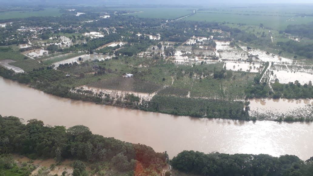 Hay una gran cantidad de viviendas que se encuentran bajo el agua en la provincia de Bocas del Toro. Foto: Cortesía Sinaproc