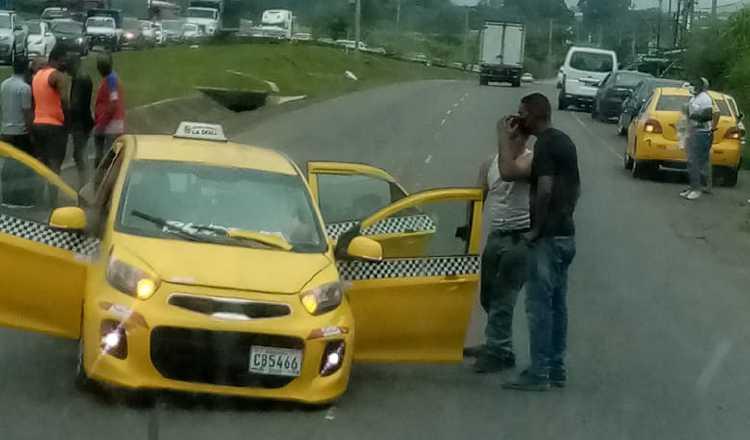 El primer caso que involucró un taxi se dio cerca de la entrada de Pacora en donde tres hombres fueron asesinados.