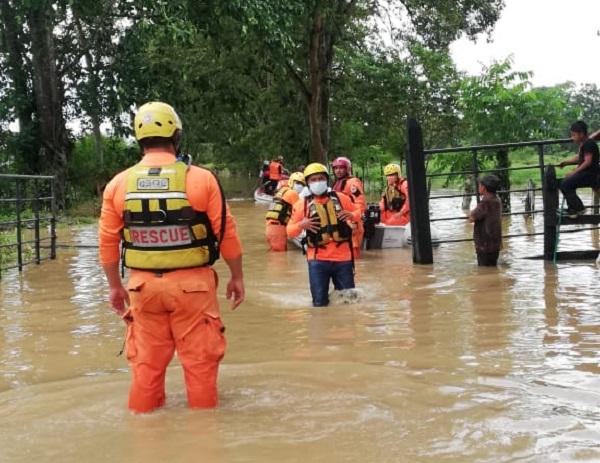 La Fuerza de Tarea Conjunta reportó 27 mil 175 personas afectadas por las lluvias en Bocas del Toro. Foto: Cortesía Sinaproc