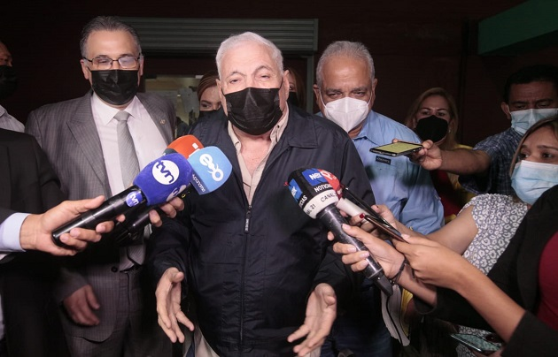 El exmandatario Ricardo Martinelli dio declaraciones hoy a su salida del Sistema Penal Acusatorio. Foto: Víctor Arosemena
