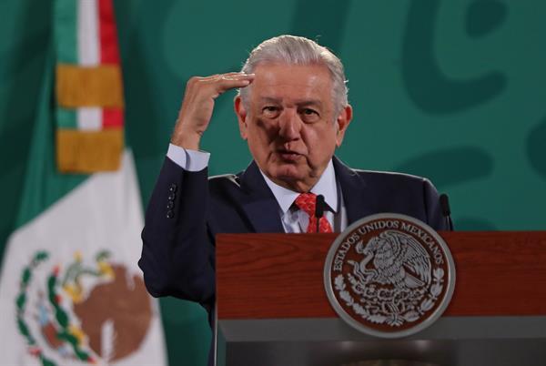 El presidente de México, Andrés Manuel López Obrador, durante una rueda de prensa en Palacio Nacional, de la Ciudad de México. EFE