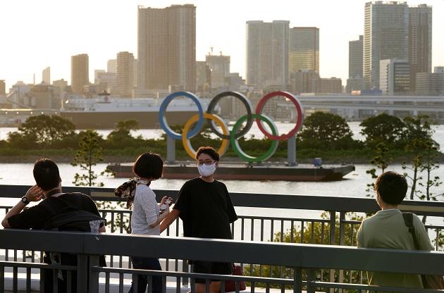 Los expertos médicos nipones vienen advirtiendo de un previsible aumento de los contagios tanto en Tokio como en todo Japón que superaría los 3,000 casos en la capital entre finales de julio y principios de agosto. Foto: EFE