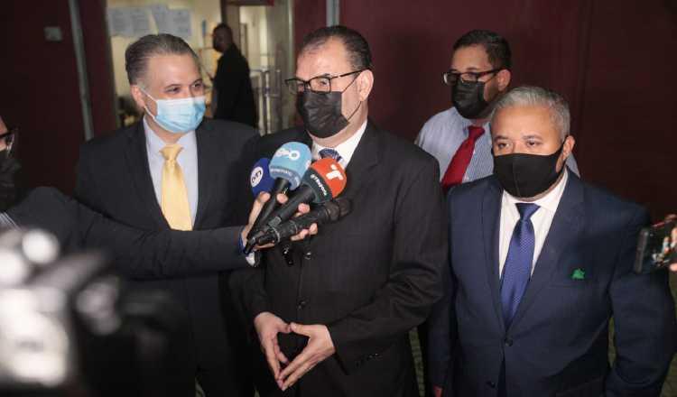 Defensa del exmandatario Ricardo Martinelli explica el deterioro de las pruebas presentadas por la fiscalía.