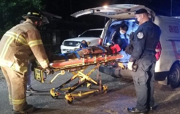 Una ronda policial que pasaba por el lugar se percató del incidente, procediendo a notificar a los bomberos, quienes se trasladaron al lugar y efectuaron el rescate. Foto: José Vásquez