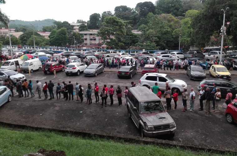 El Minsa asegura que se redujeron las largas filas. Foto: Archivo