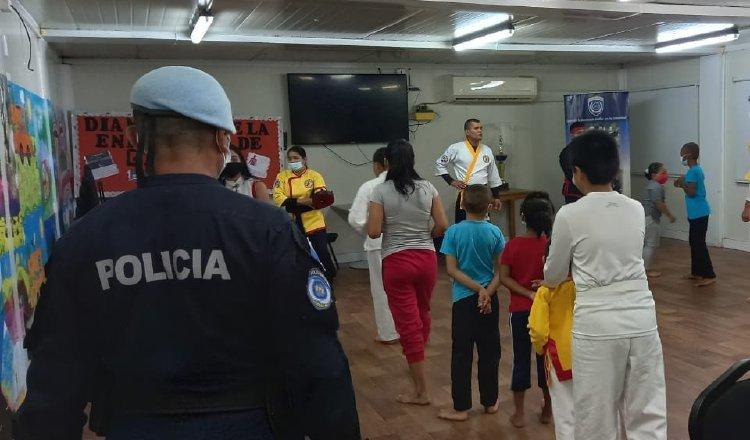La Policía Nacional desarrolla actividades comunitarias en áreas de riesgo, como Samaria, donde imparten clases de defensa personal. Foto: Cortesía