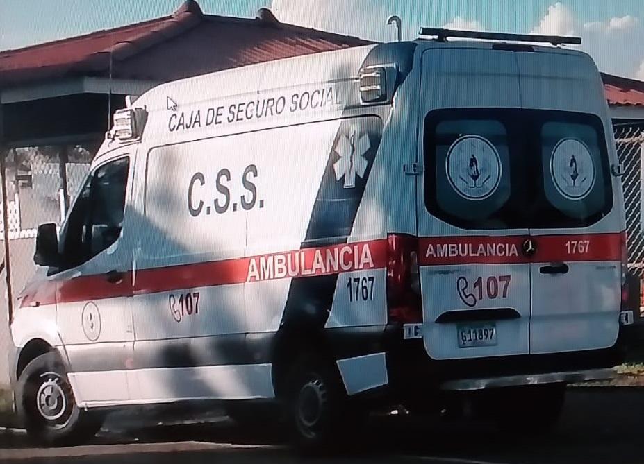 Los funcionarios fueron trasladados hasta el hospital Dionisio Arrocha de Puerto Armuelles en Barú. Foto: Mayra Madrid