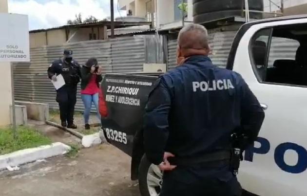 La mujer de 31 años quedó detenida por homicidio y robo en calidad de cómplice secundario. Foto: Mayra Madrid
