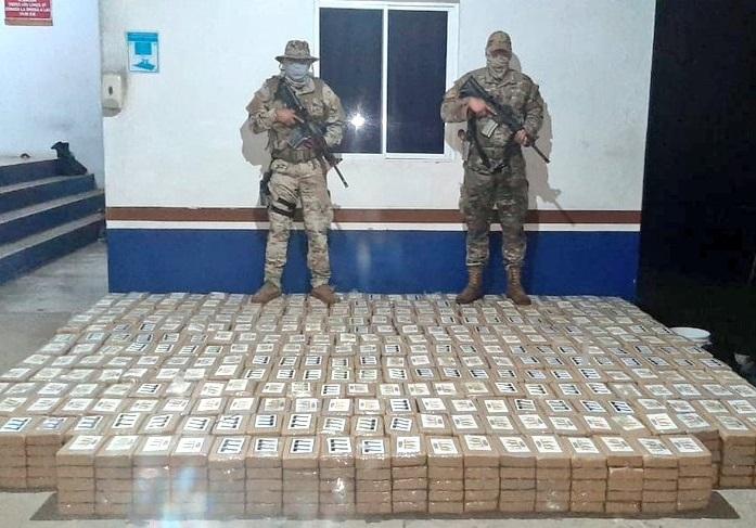 La droga viajaba oculta en tanques para almacenar combustible. Foto: Mayra Madrid