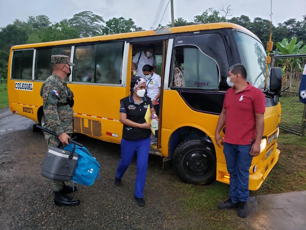 El Senafront ha llevado las vacunas a poblaciones apartadas de Darién. Foto: Cortesía Senafront
