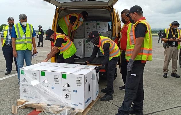 Panamá recibió este martes el lote número 29 de vacunas Pfizer. Foto: Cortesía Minsa
