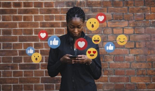 Las redes sociales pueden promover algunas experiencias negativas. Foto: Ilustrativa / Freepik