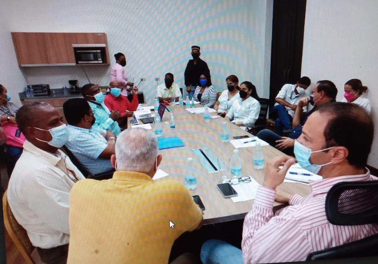 Miembros de la Coalición de la Unidad de Colón y del Gobierno buscan mejorar la provincia. Foto: Diomedes Sánchez