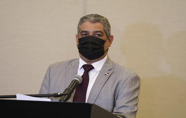 El ministro Luis Francisco Sucre dijo que las reaperturas siguen avanzando. Foto: Cortesía Minsa