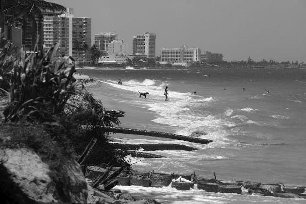 Si dejamos que la línea costera migre de forma natural, podemos esperar un aumento de las tasas de erosión y una rápida migración de la costa. Foto: EFE.