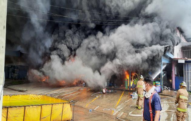Unas 20 personas han queda desempleadas por este incendio. Foto: Melquiades Vásquez
