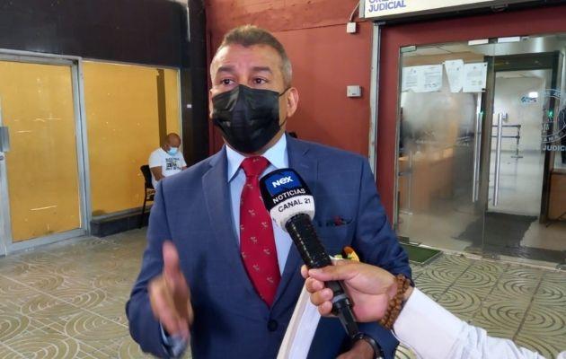 El abogado Sidney Sittón, defensa del expresidente Ricardo Martinelli. Foto: Víctor Arosemena