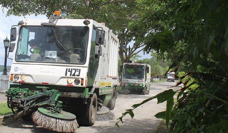La mayoría de la flota con que dispone la Autoridad de Aseo para la limpieza de la ciudad es alquilada, lo que aseguran es más rentable. Foto: Cortesía