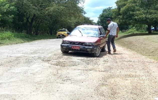 La obra comprende unos 25 kilómetros de carretera de gran tránsito en esta región del país, y cuya reparación ha sido solicitada a las autoridades en innumerables oportunidades. Foto Thays Domínguez