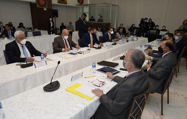 La mesa técnica se instaló este lunes en la sede del Tribunal Electoral. Foto. Cortesía Asamblea Nacional