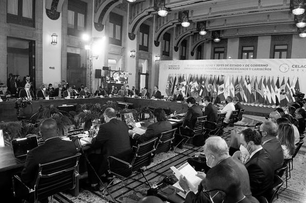 Una sesión de la Cumbre de Celac el 18 de septiembre, en el Palacio Nacional de la Ciudad de México. Foto: Cedida a EFE por la Secretaría de Relaciones Exteriores de México.