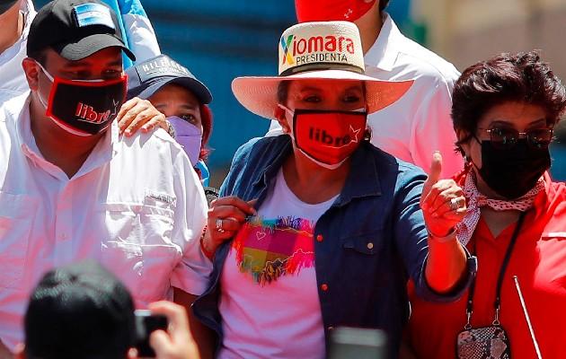 La candidata presidencial por el partido Libertad y Refundación Xiomara Castro de Honduras. Foto: EFE