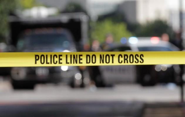 Una persona murió y al menos otras doce resultaron heridas en un tiroteo en un supermercado. Foto: EFE