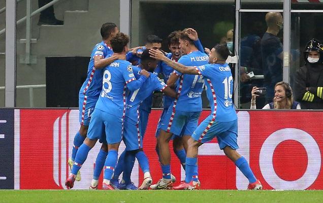 Atlético de Madrid ganó 2-1 en su visita al Milán. Foto: EFE
