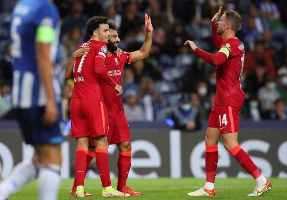Liverpool aplastó 5-1 al Porto en Portugal. Foto: EFE