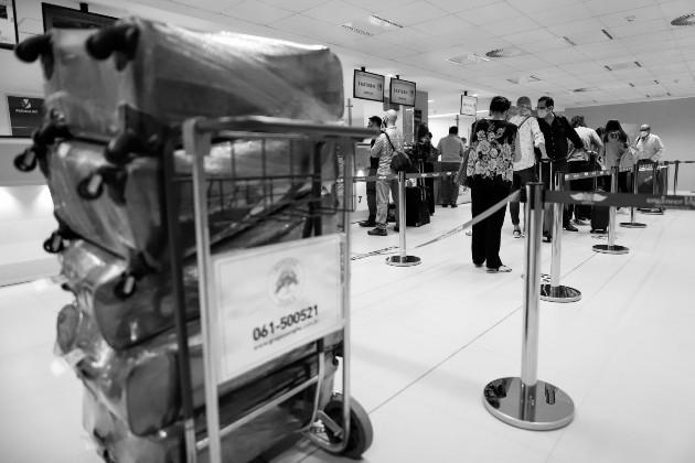 Son pocas las aerolíneas que han implementado el pasaporte sanitario y solamente lo pueden obtener aquellos pasajeros que reciban una