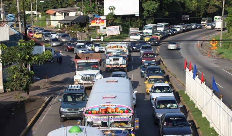 Por las calles de Panamá transitan autos que no reúnen las condiciones mínimas de seguridad. Foto: Archivo