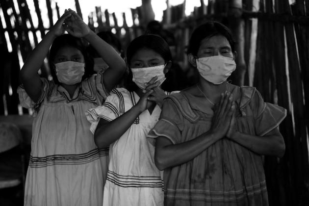 Mujeres de la etnia ngäbe-buglé. Panamá es un país multicultural en el que habitan siete pueblos indígenas: ngäbes, buglés, emberás, wounaan, gunas, bri bri y naso. Foto: EFE.