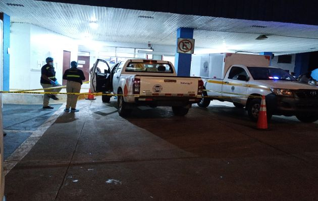 El herido fue trasladado en un vehículo tipo pick-up de la empresa eléctrica a la policlínica de la Caja de Seguro Social Dr. Blas Daniel Gómez Chetro en Arraiján. Foto: Eric Montenegro