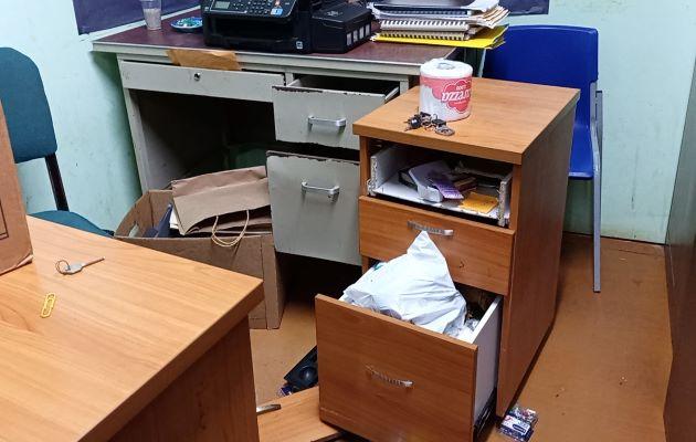 El hurto tomó por sorpresa a los administrativos de esta escuela, quienes tenían programado iniciar los trabajos de mudanza. Foto: eric Montenegro