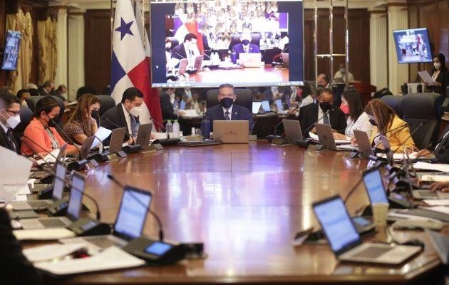 Rosalinda Ross Serrano recibió el voto favorable de los miembros del Consejo de Gabinete. Foto: Cortesía