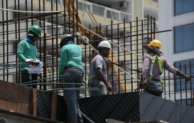 En edificios de oficinas, hoteles y locales la caída fue del 53%. Foto: Archivo